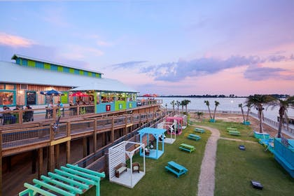 Outdoor Dining | Harrah's Gulf Coast