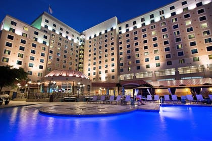 Hotel Front - Evening/Night | Harrah's Gulf Coast