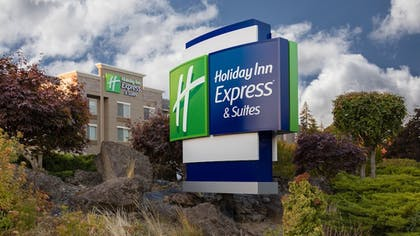 Featured Image | Holiday Inn Express & Suites Hood River