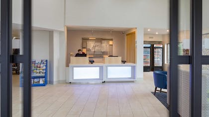 Check-in/Check-out Kiosk | Holiday Inn Express & Suites Hood River