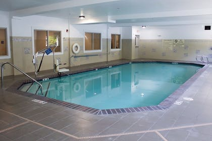 Pool | Holiday Inn Express & Suites Hood River