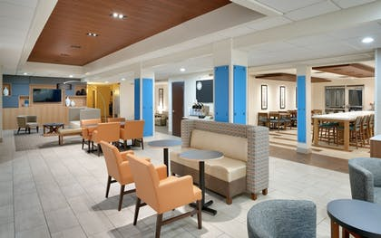 Lobby Sitting Area | Holiday Inn Express & Suites American Fork - North Provo