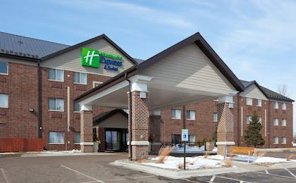 Exterior | Holiday Inn Express Hotel & Suites St. Paul-Woodbury