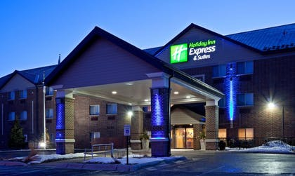 Featured Image | Holiday Inn Express Hotel & Suites St. Paul-Woodbury