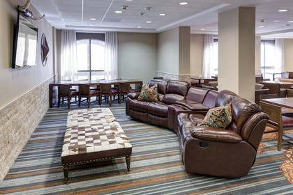 Hotel Lounge | SpringHill Suites Dallas Downtown / West End