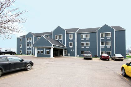 Featured Image | New Victorian Inn & Suites in Sioux City, IA