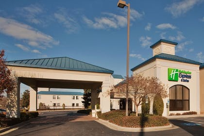 Featured Image | Holiday Inn Express Hotel & Suites Wilson - Hayes Place