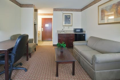 Guestroom | Holiday Inn Express Hotel & Suites Wilson - Hayes Place