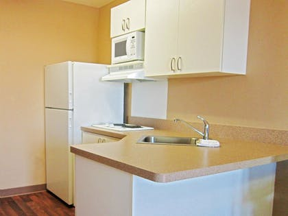 In-Room Kitchen | Extended Stay America Mobile - Spring Hill