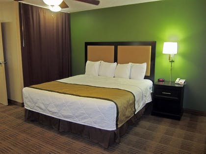 Guestroom | Extended Stay America Milwaukee - Waukesha