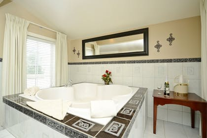 Jetted Tub | Best Western Mountain View Inn