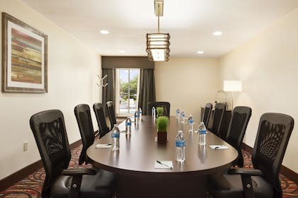 Meeting Facility   Wingate by Wyndham San Marcos
