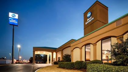 Featured Image | Best Western Executive Suites