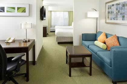 Room | SummitSuite Pittsburgh Airport