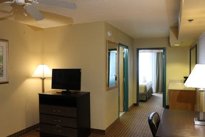 | 1 King Bed, One-Bedroom Suite, Non-Smoking | Baymont by Wyndham Fort Myers Airport