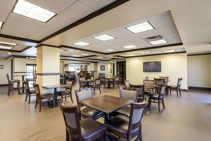 Breakfast Area | Comfort Suites Austin Airport