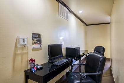 Business Center | Comfort Suites Austin Airport