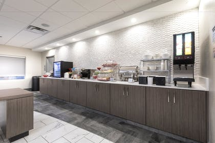 Breakfast Area | Wingate by Wyndham Augusta Washington Road