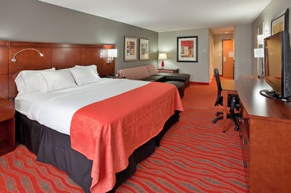Guestroom | Holiday Inn Express and Suites Kearney