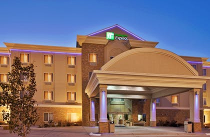 Exterior | Holiday Inn Express and Suites Kearney