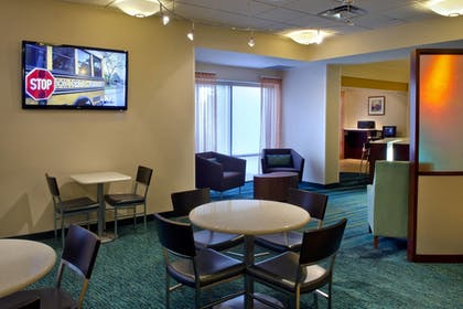 Hotel Bar | SpringHill Suites by Marriott Philadelphia Plymouth Meeting