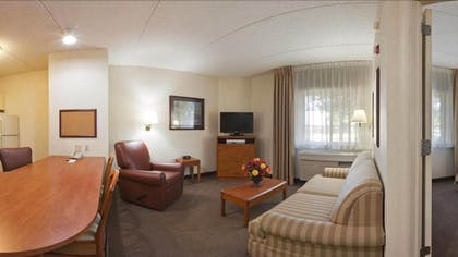 Living Room | Candlewood Suites Nanuet - Rockland County