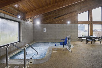 Pool | Quality Inn and Suites