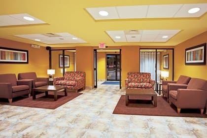 Lobby | Holiday Inn Express & Suites Ft. Lauderdale Airport West