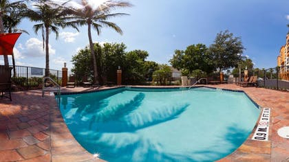 Outdoor Pool | Holiday Inn Express & Suites Ft. Lauderdale Airport West