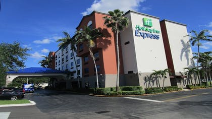 Exterior | Holiday Inn Express & Suites Ft. Lauderdale Airport West