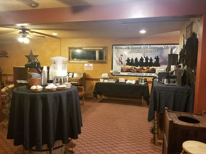 Breakfast Area | Dodge House Hotel & Convention Center