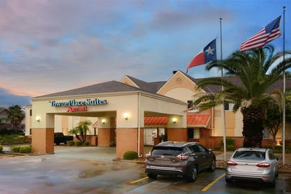 Exterior | TownePlace Suites by Marriott Lake Jackson Clute