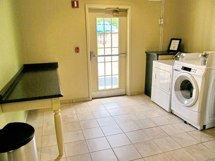 Laundry Room | Holiday Inn Express Hotel & Suites Jacksonville South I-295