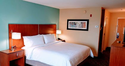 Room | Holiday Inn Express Hotel & Suites Jacksonville South I-295