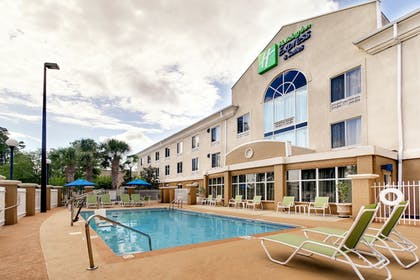 Outdoor Pool | Holiday Inn Express Hotel & Suites Jacksonville South I-295