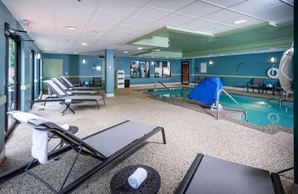 Indoor Pool | Holiday Inn Express Middletown / Newport