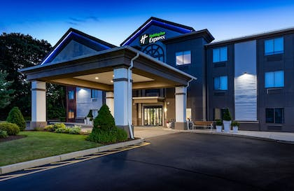 Featured Image | Holiday Inn Express Middletown / Newport