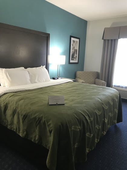 Guestroom   Quality Inn & Suites Sneads Ferry - North Topsail Beach