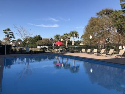 Outdoor Pool   Quality Inn & Suites Sneads Ferry - North Topsail Beach