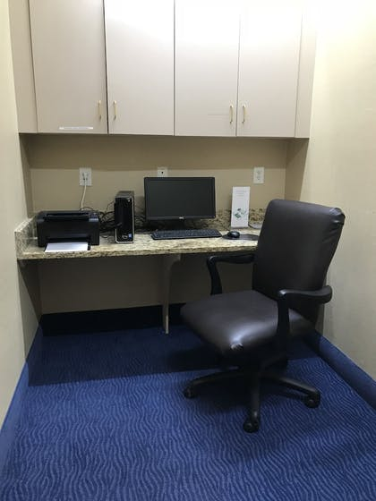Business Center   Quality Inn & Suites Sneads Ferry - North Topsail Beach