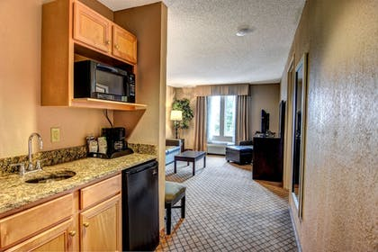 Guestroom | Holiday Inn Express Hotel & Suites Wallace-Hwy 41