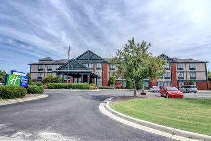 Featured Image | Holiday Inn Express Hotel & Suites Wallace-Hwy 41