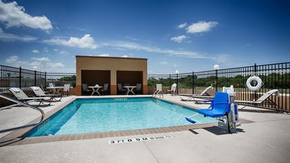 Pool | Best Western Temple Inn & Suites