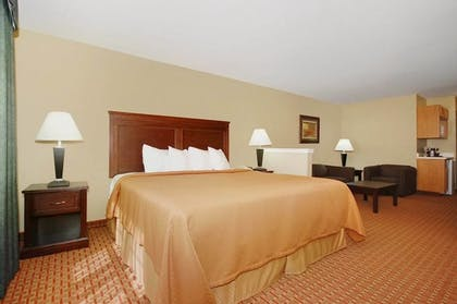 Guestroom | Best Western Temple Inn & Suites