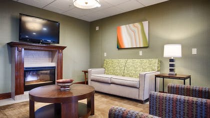 Lobby Sitting Area | Best Western Temple Inn & Suites