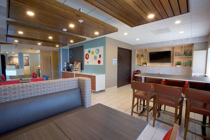 Restaurant | Holiday Inn Express & Suites Canyonville