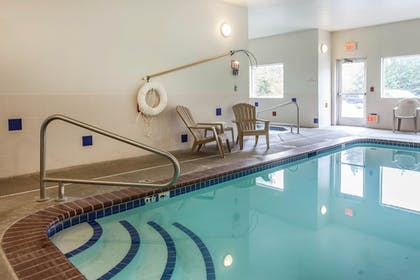 Indoor Pool | Comfort Inn Conference Center Tumwater - Olympia