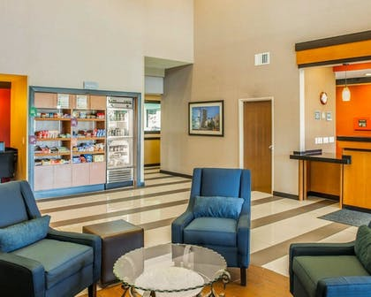 Lobby | Comfort Suites NE Indianapolis Fishers