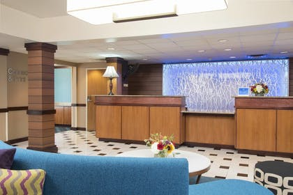 Lobby | Fairfield Inn & Suites Columbus East