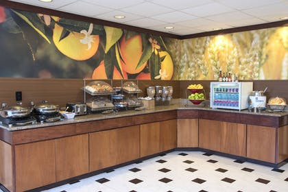 Restaurant | Fairfield Inn & Suites Columbus East